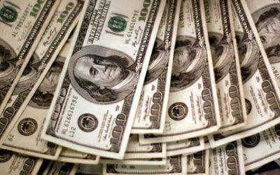 U.S. dollar, yen advance as Delta variant dampens risk appetite
