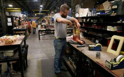 Small U.S. employers frustrated by Biden's COVID vaccine mandate