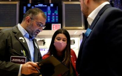 Stocks gain as earnings provide some optimism; 10-yr yield climbs