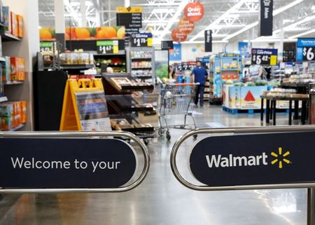 Big retailers like Walmart, Macy's see shoppers back in stores