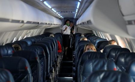 Airlines, unions urge U.S. to prosecute 'egregious onboard conduct'